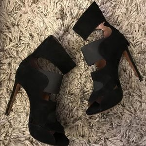 RARE ALAIA heels booties.